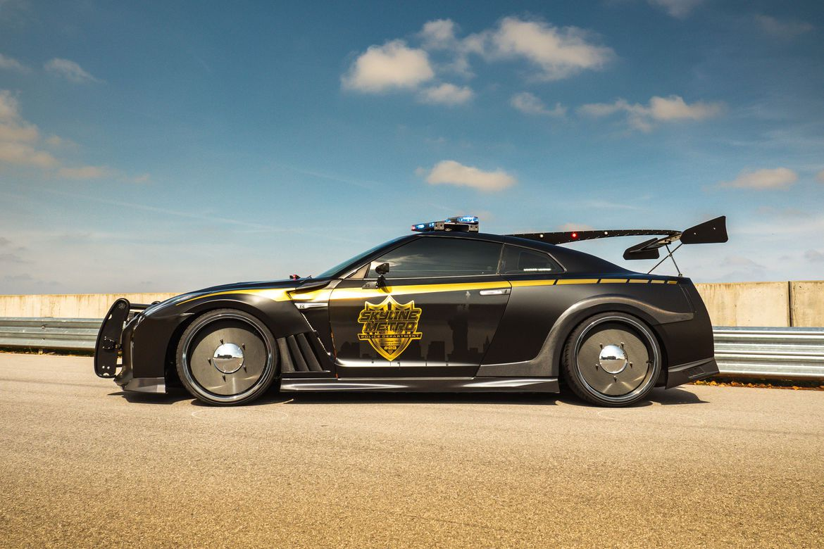 Police GT-R