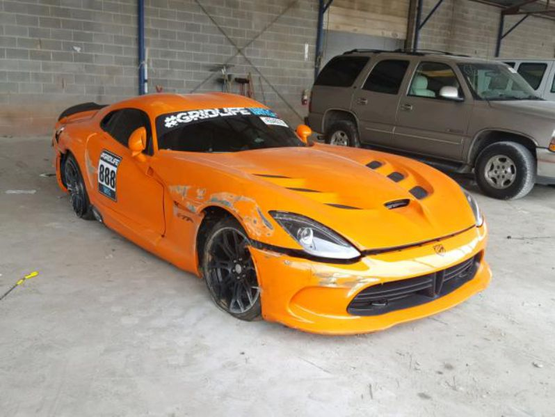 Cheap Car Tires >> 2014 SRT Viper TA that wrecked at Gridlife auctioning for ...