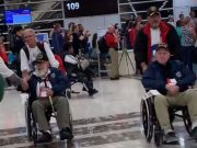 Vets landing Midway airport