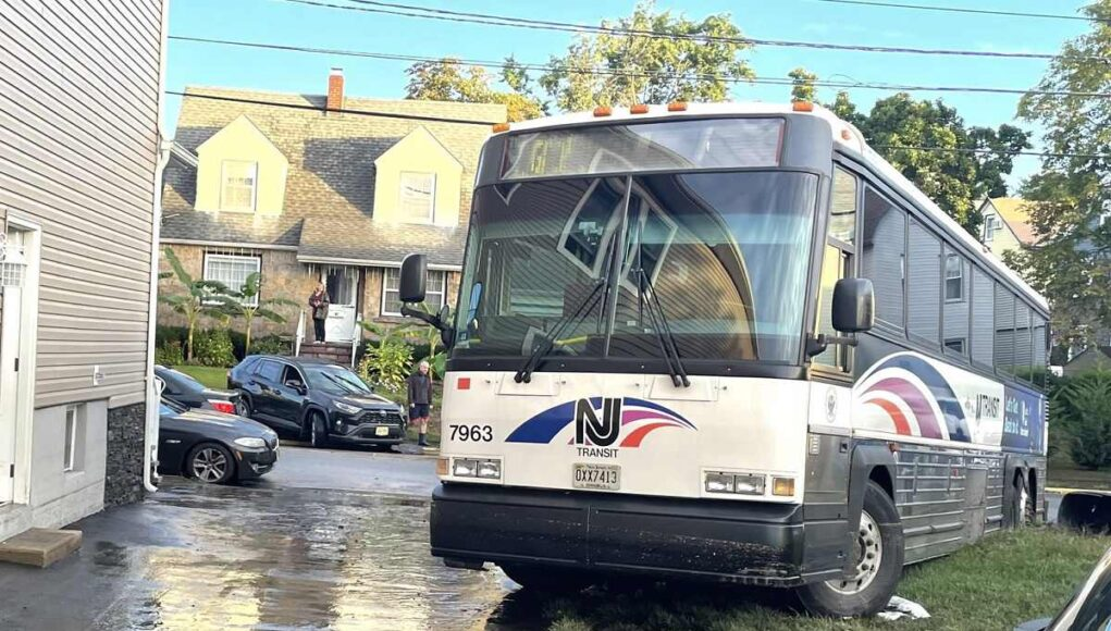 She found a NJ Transit bus on her front lawn